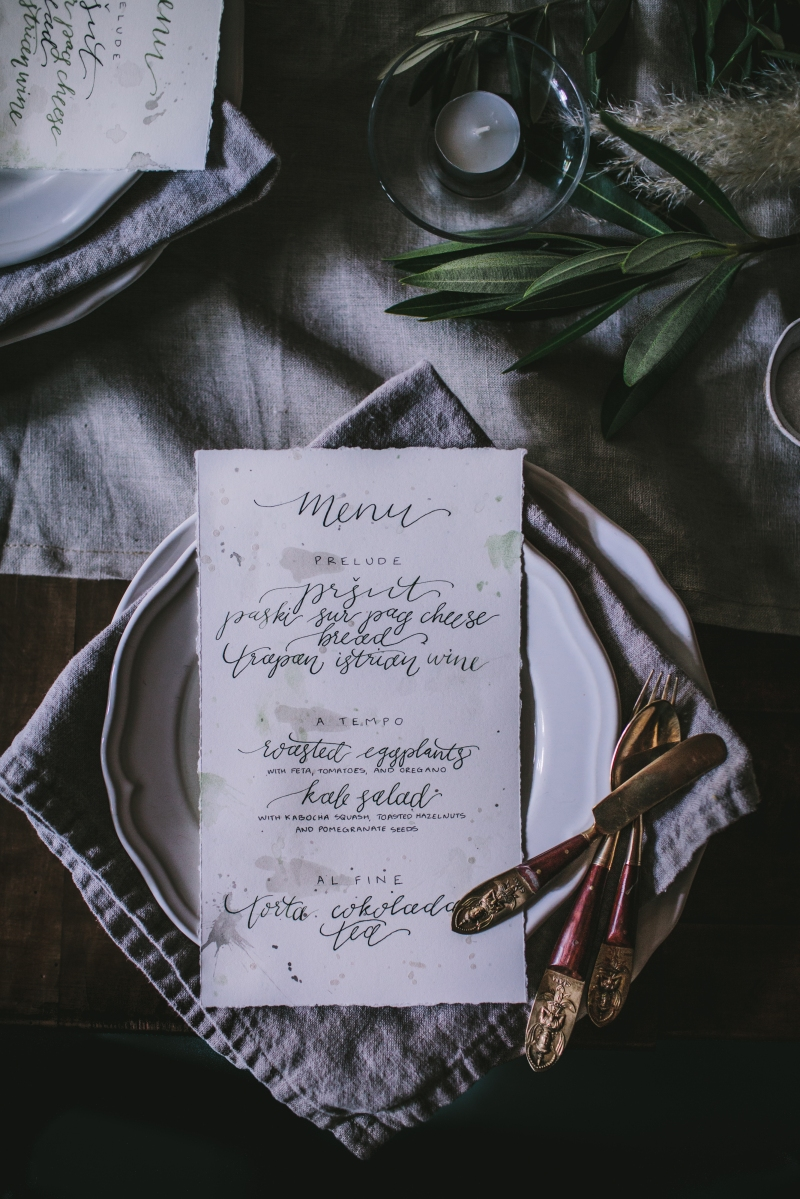 I was astounded by how gorgeously Eva Kosmas Flores styled and photographed this single place setting featuring my hand lettered menus | Photo by Eva Kosmas Flores | AMY ROCHELLE PRESS
